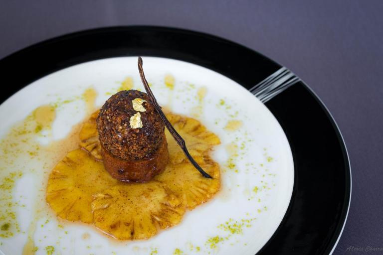 Foie frais poêlé pané aux fruits secs