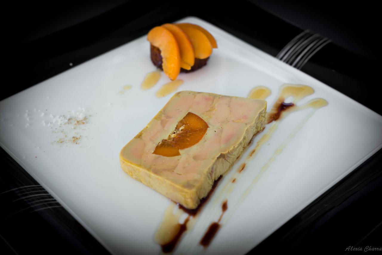 Foie gras de canard à l'abricot du roussillon