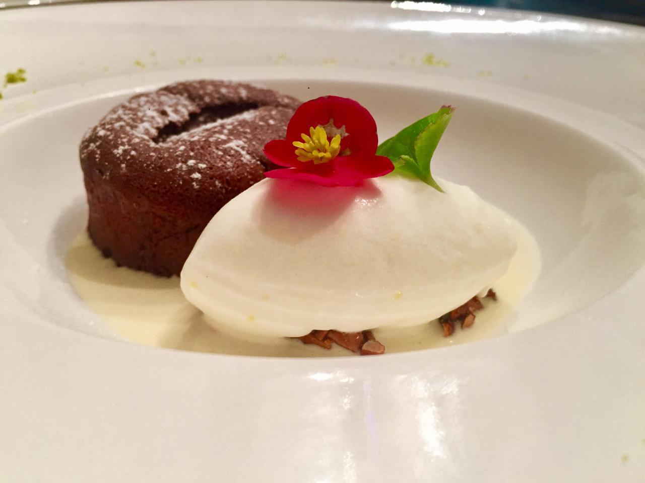 Volcan au chocolat avec son sorbet au citron